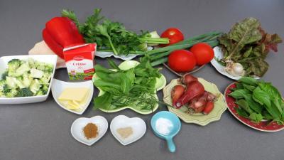 Ingrédients pour la recette : Céleri-branche en velouté pour amuse-bouche