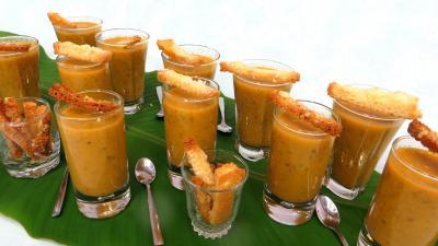 Cuisine diététique : Verrines de céleri-branche en velouté pour amuse-bouche