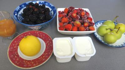 Ingrédients pour la recette : Smoothie aux fruits rouges