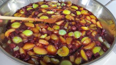 Confiture de restes de sangria aux prunes - 3.3