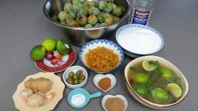 Ingrédients pour la recette : Chutney de reine-claude aux restes de mojito