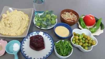Ingrédients pour la recette : Salade de couscous aux physalis