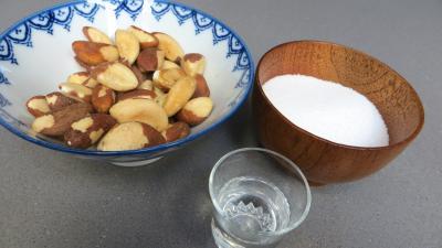 Ingrédients pour la recette : Pralines aux noix du Brésil