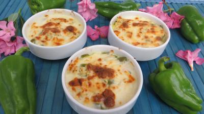 plat complet : Cassolettes de poivrons au poulet épicé