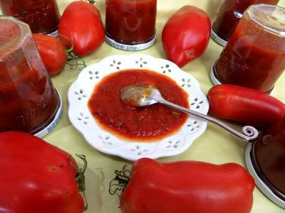 sauce pour pâtes : Coupelle de sauce bolognaise au céleri-branche