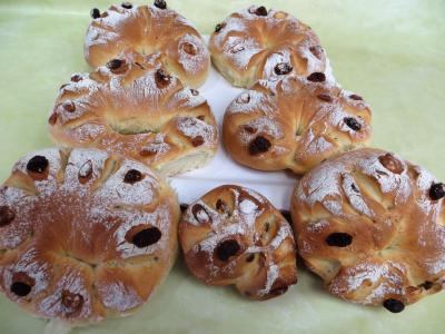 fête du pain : Couronnes de pain de mie aux fruits secs