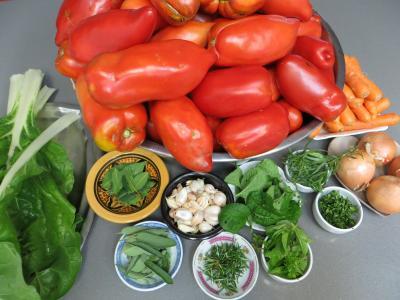 Ingrédients pour la recette : Sauce tomates aux carottes (conserves)