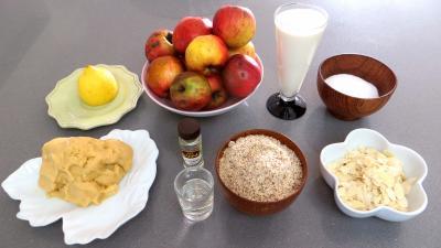 Ingrédients pour la recette : Tarte aux pommes et aux amandes