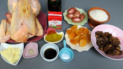 Ingrédients pour la recette : Fricassée de poulet au Champagne