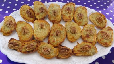 Amuse-bouche : Assiette de tartines chaudes aux fromages