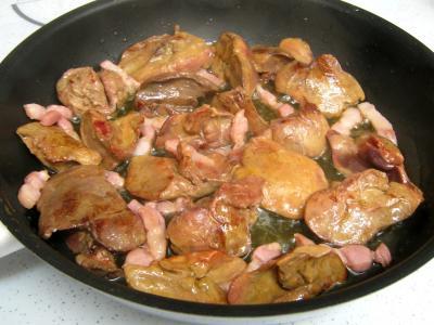 Salade de mâche aux foies de volaille et aux pommes - 10.4
