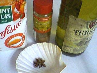 Ingrédients pour la recette : Confit de vin aux épices