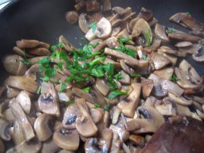 Dômes de champignons et son coulis - 5.1