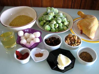 Ingrédients pour la recette : Poulet et boulgour aux choux de Bruxelles