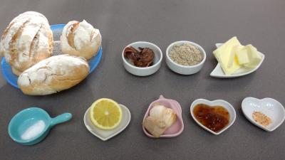 Ingrédients pour la recette : Canapés aux anchois