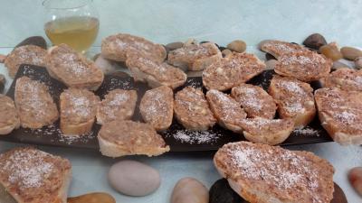 canapés : Assiette de canapés aux anchois