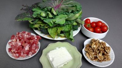 Ingrédients pour la recette : Salade au chou, noix et féta