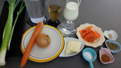 Ingrédients pour la recette : Velouté de poireaux à la truite fumée