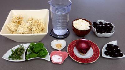 Ingrédients pour la recette : Nouilles à la crème d'olives
