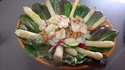 Poulet aux asperges en salade - 6.2