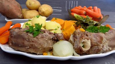 plat complet : Pot au feu de langue de porc