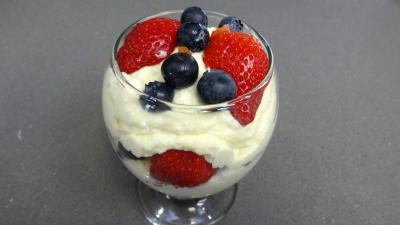 Mascarpone aux fraises et aux myrtilles - 7.3