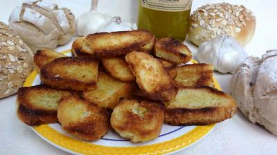 Recette Croûtons grillés à l'ail