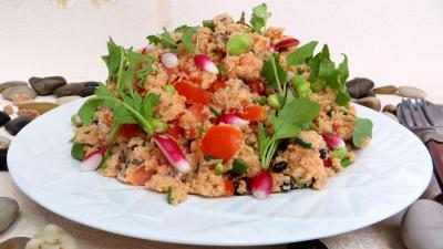 couscous semoule grains sec : Assiette de taboulé