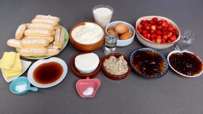 Ingrédients pour la recette : Cheesecake aux cerises