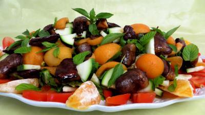 Entrées froides : Salade de nèfles