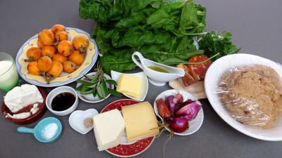 Ingrédients pour la recette : Chaussons aux nèfles