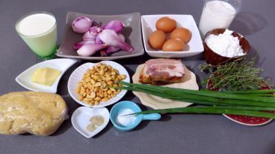 Ingrédients pour la recette : Clafoutis aux oignons