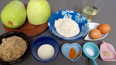Ingrédients pour la recette : Courgettes panées