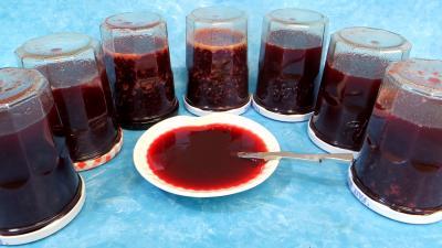 Image : Gelée de mûres et prunes jaunes