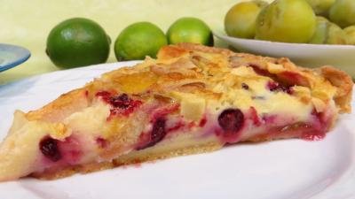 Recette Clafoutis aux pommes, prunes et cassis