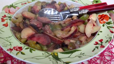 Desserts : Salade de Reines-claude et fruits du verger