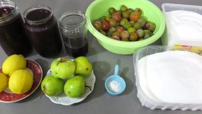 Ingrédients pour la recette : Confiture de reine-claude à la sangria