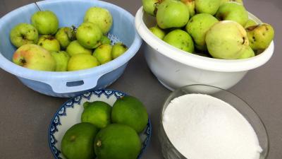 Ingrédients pour la recette : Compote de pommes aux citrons verts