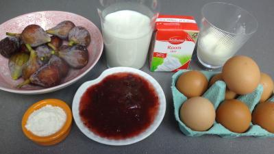 Ingrédients pour la recette : Cassolettes aux figues