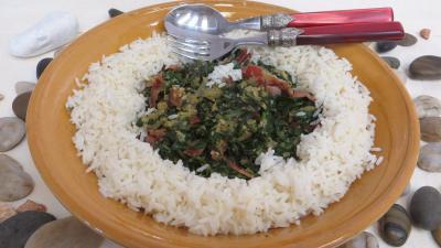Image : Plat de sauté d'épinards avec son riz