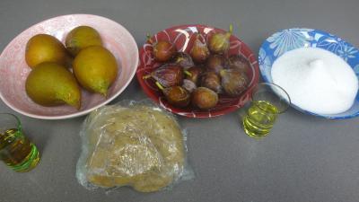 Ingrédients pour la recette : Tatin aux figues et poires
