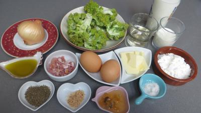 Ingrédients pour la recette : Clafoutis au chou romanesco