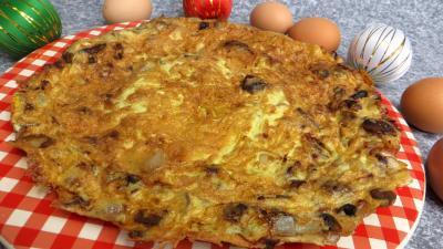 Pour débutants : Assiette d'omelette plate au poulet et cèpes