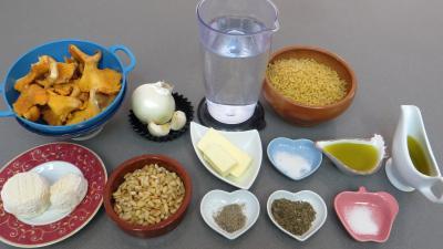Ingrédients pour la recette : Coquillettes aux girolles façon génoise