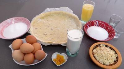 Ingrédients pour la recette : Tarte au citron à la nougatine