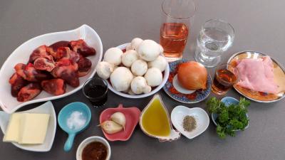 Ingrédients pour la recette : Coeurs de canard sauce au Cabernet d'Anjou