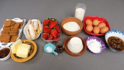 Ingrédients pour la recette : Cheesecake aux fraises