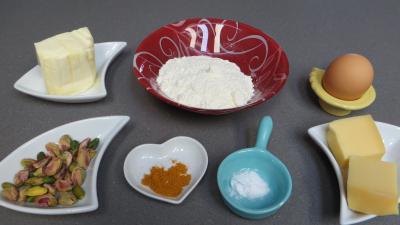 Ingrédients pour la recette : Palets aux pistaches