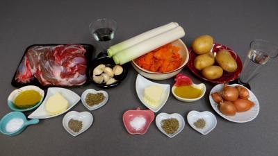 Ingrédients pour la recette : Epaule d'agneau aux légumes