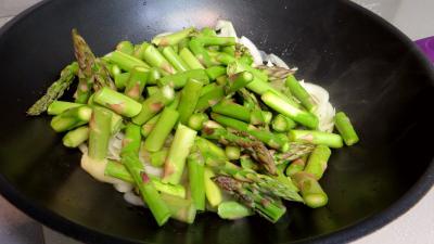 Poêlée d'asperges et fèves - 4.1